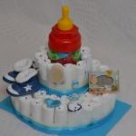 tort-din-pampers-cadouri-nou-nascuti-cadouri-botez-cadou-baby-shiwer-party-cadouri-maternitatetort-scutece-biberon